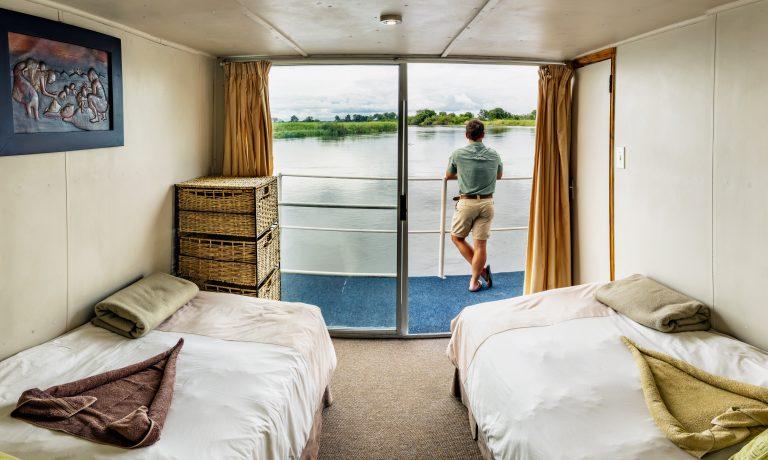 Houseboat-Martin Harvey017
